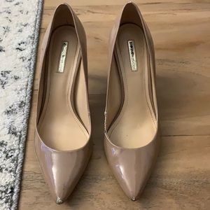 BCBGeneration nude pumps, USED